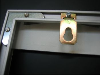 комплектация: рамка + фурнитура +задник. пластиковое стекло.